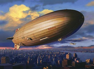 LZ129 Hindenburg Blimp -- Plastic Model Airplane Kit -- 1/720 Scale -- #04802